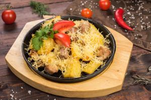Жаркое на сковороде из баранины с картофелем